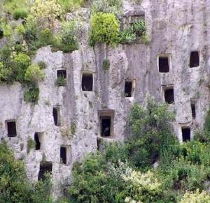 Dalle ceramiche di caltagirone alle pietre di pantalica nomadisicilia - Giardini di bacco caltagirone ...